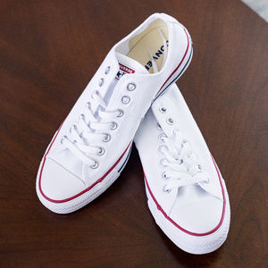 BRAND NEW White Converse Low Tops